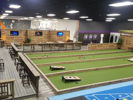 Melbourne, FL Activities: Backyard Games and Eatery