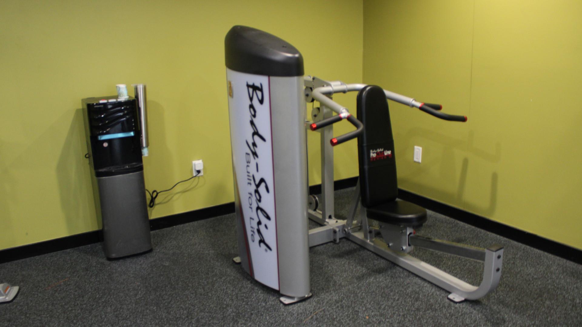 Gym - Arm Machine.JPG