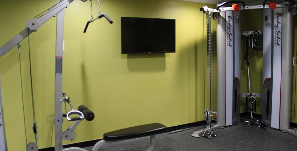 Gym - TV _ Strength Machines.JPG