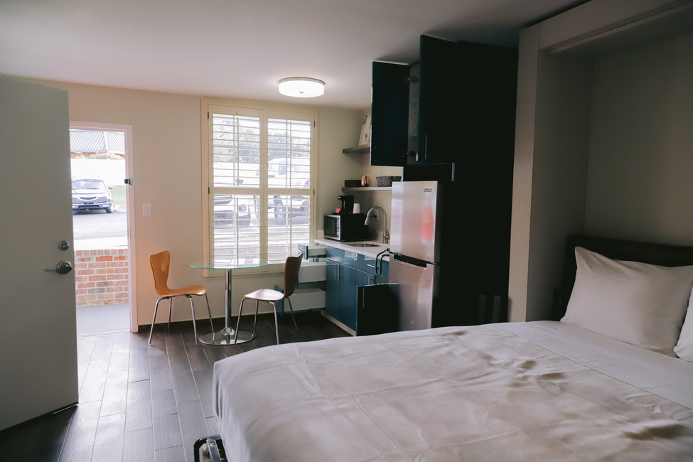 Junior, Queen, & King Suites Offer Full Kitchenette