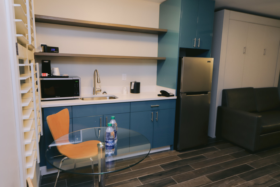 Full-Kitchenettes In Our Junior, Queen, & King Suites