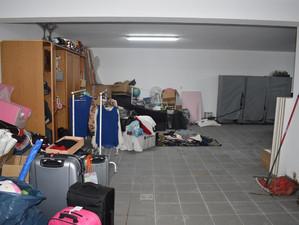 Montagem de prateleiras numa garagem