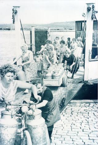 Wassertransport aus Petlum in den 50er-1