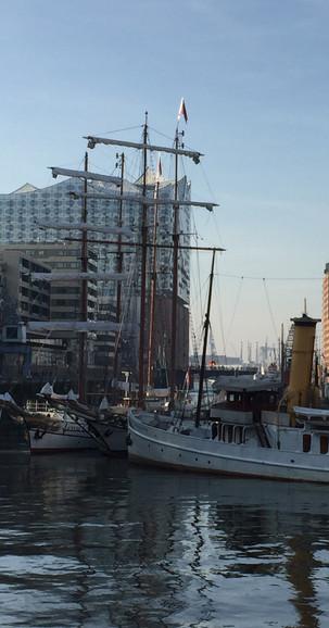 9 Ausflug Hamburg 2 Spielraum Erlebnispaedagogik Jugendherberge Bad Oldesloe.jpg