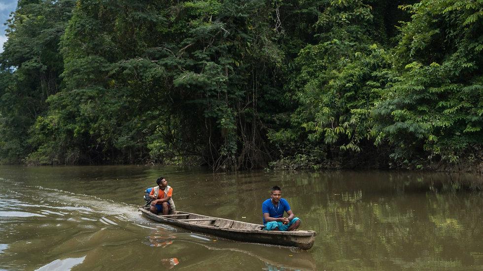 Selva amazonica, dinamica fluvial en balsa