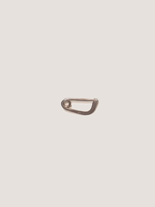 m.a+ / small safety pin