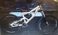 Specialized Status downhill bike before Archie re-designed and built it