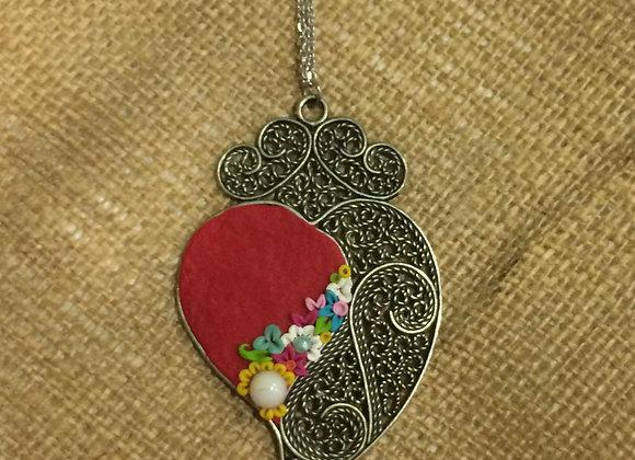 Fio com medalhão coração de viana