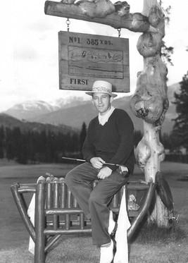 Bing_Crosby_at_Golf_Course_-_Heritage_479950_standard.jpg