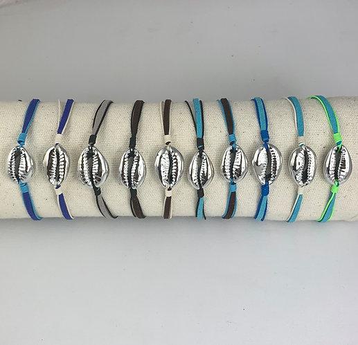 Bracelet Cauri Argenté sur Cordon Nubuck Coloré ajustable