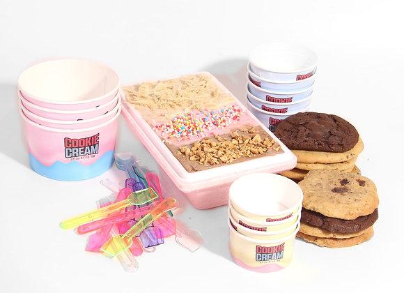 חצי קילו גלידה + מארז 10 עוגיות