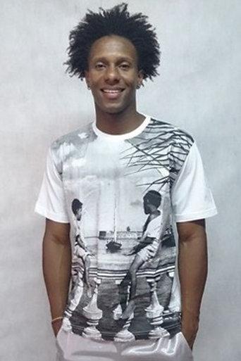 Camiseta Básica Garotos Balaustrada