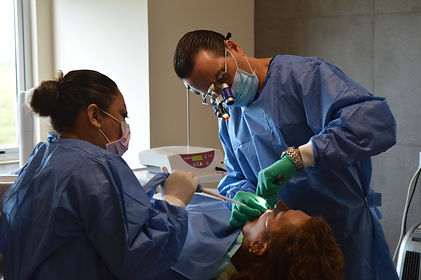 Cancun dental Implant Specialists , Dent