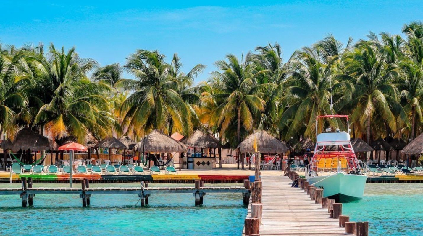 Dental Vacation | Dental Destinations Cancun | Dental Tourism Mexico