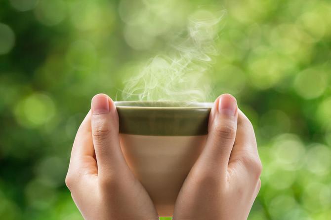 Beneficio de un vaso de agua caliente