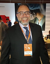 Dr Mauricio.jfif