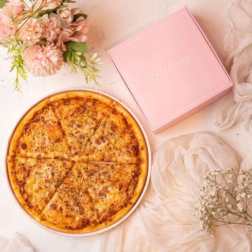 Cafe Fiore Delhi Four Cheese Pizza