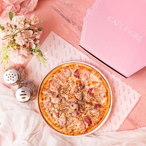 Cafe Fiore Delhi Chicken Sausage Pizza