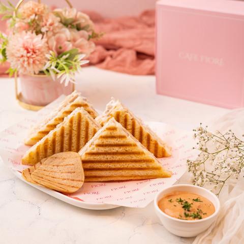 Cafe Fiore Delhi Salami Sandwich