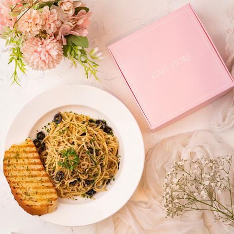 Cafe Fiore Delhi Aglio e Olio Pasta