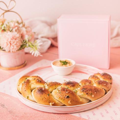 Cafe Fiore Delhi Pull-apart Garlic Bread