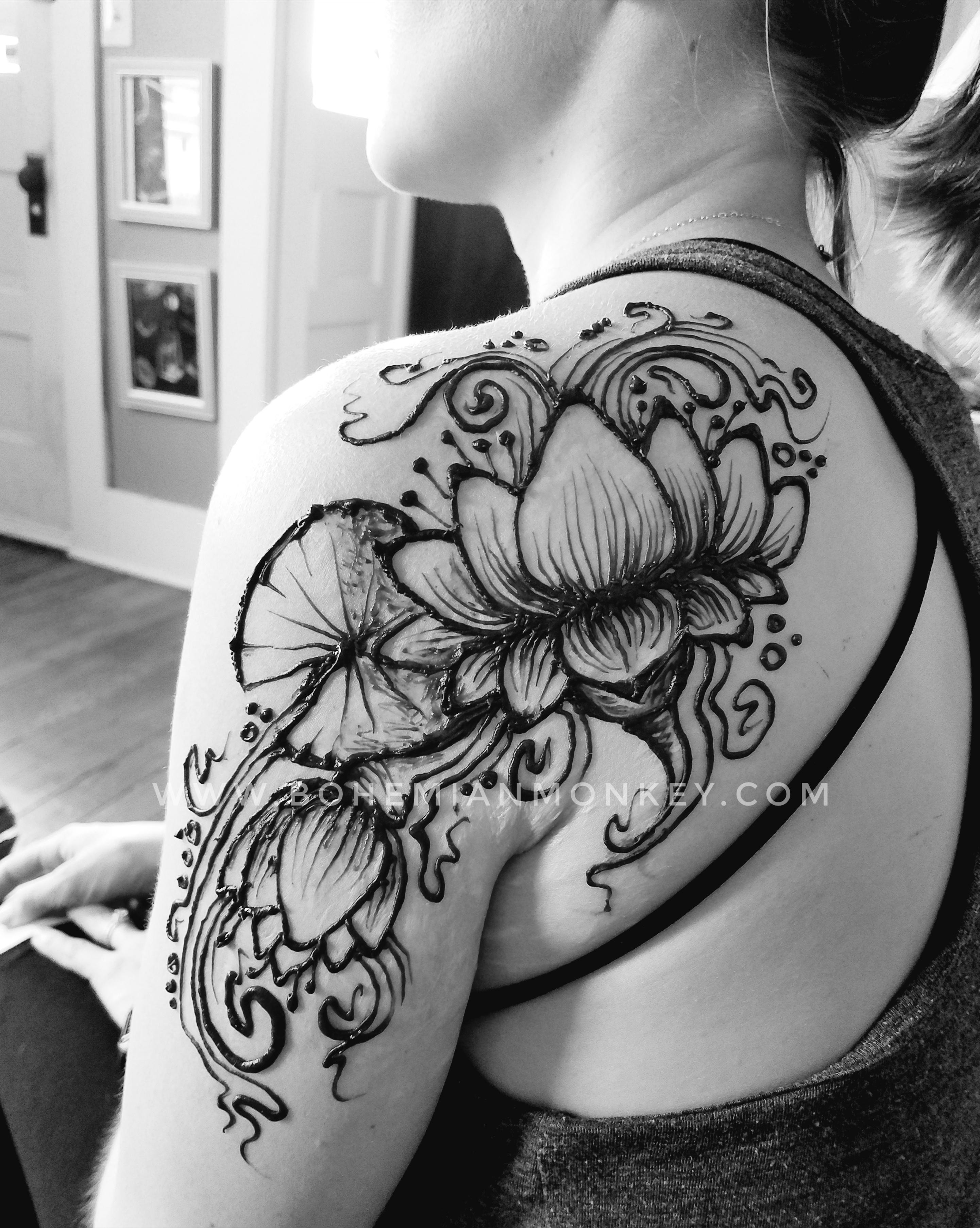 Henna lotus, Louisville