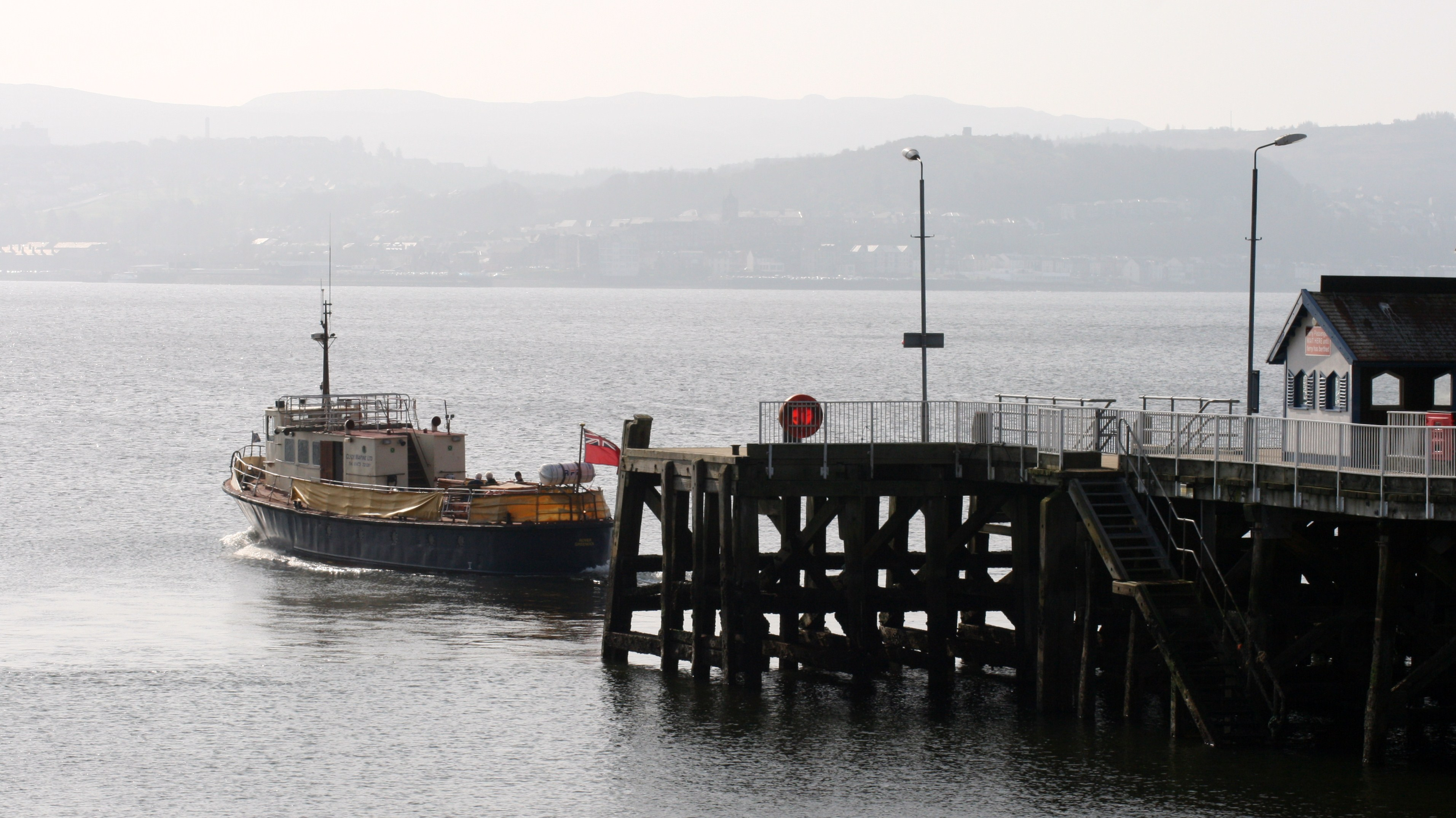 Rover leaving Kilcreggan (Ships of CalMac)