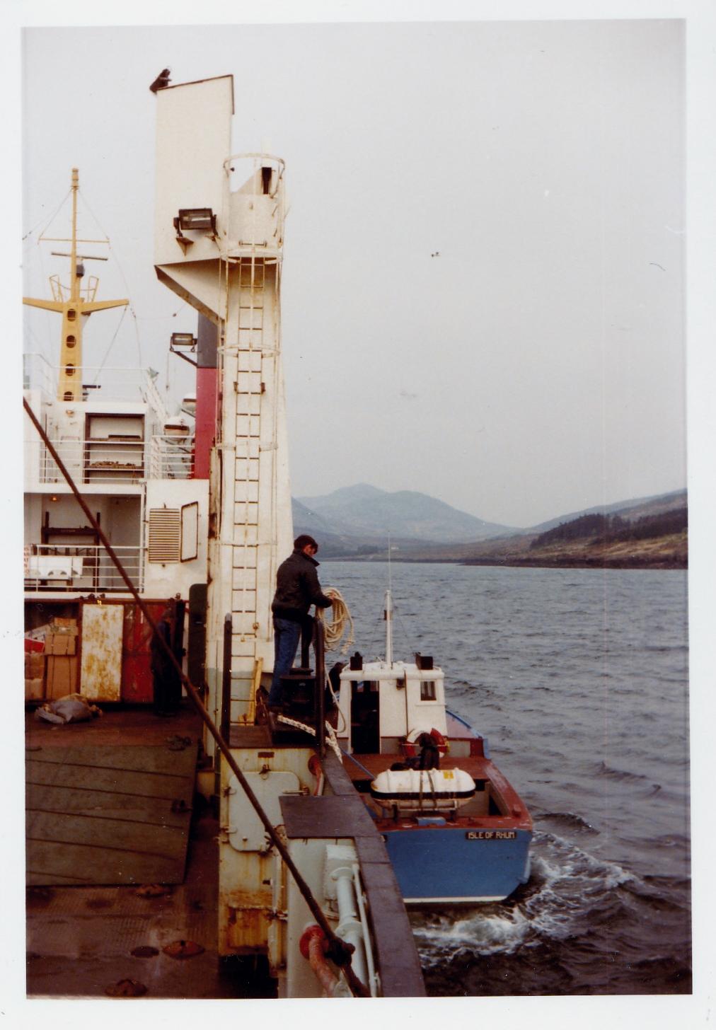 Meeting the Rhum flit boat Rhouma in Loch Scresort, Rhum