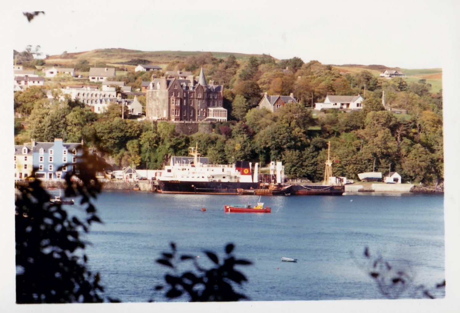 Pioneer at Tobermory with Applecross