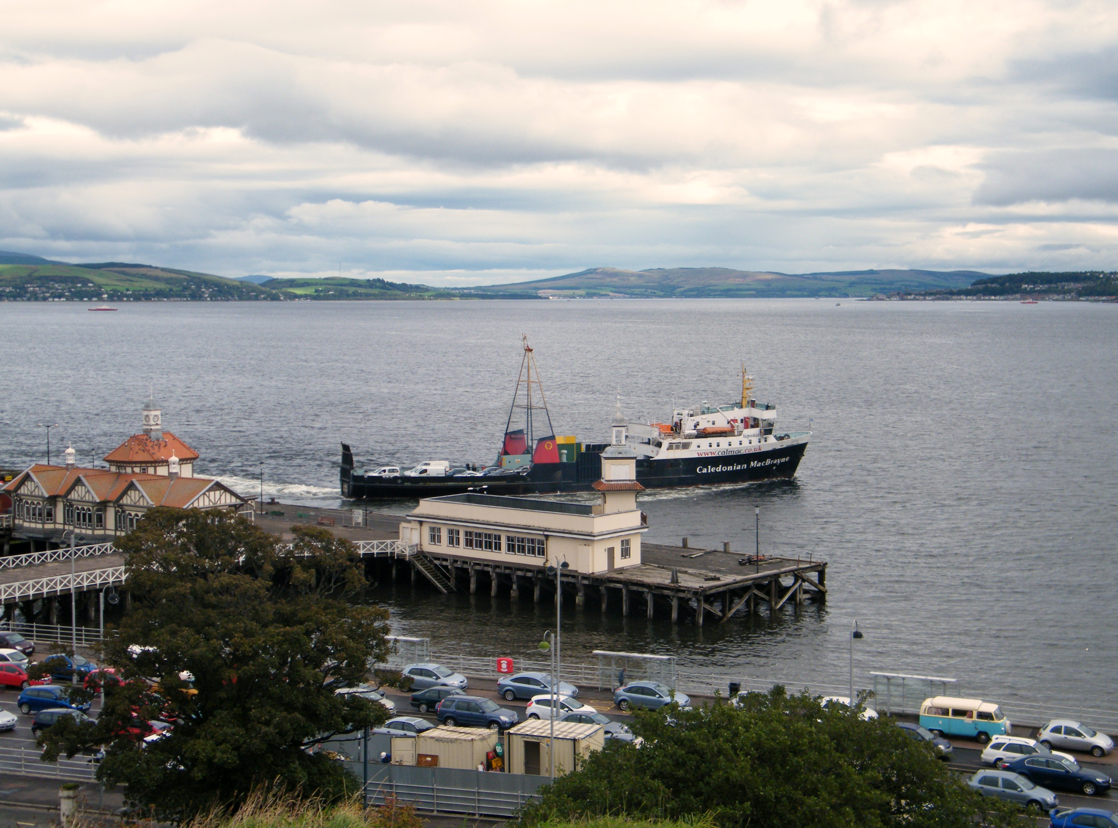 Jupiter leaving Dunoon (Ships of CalMac)