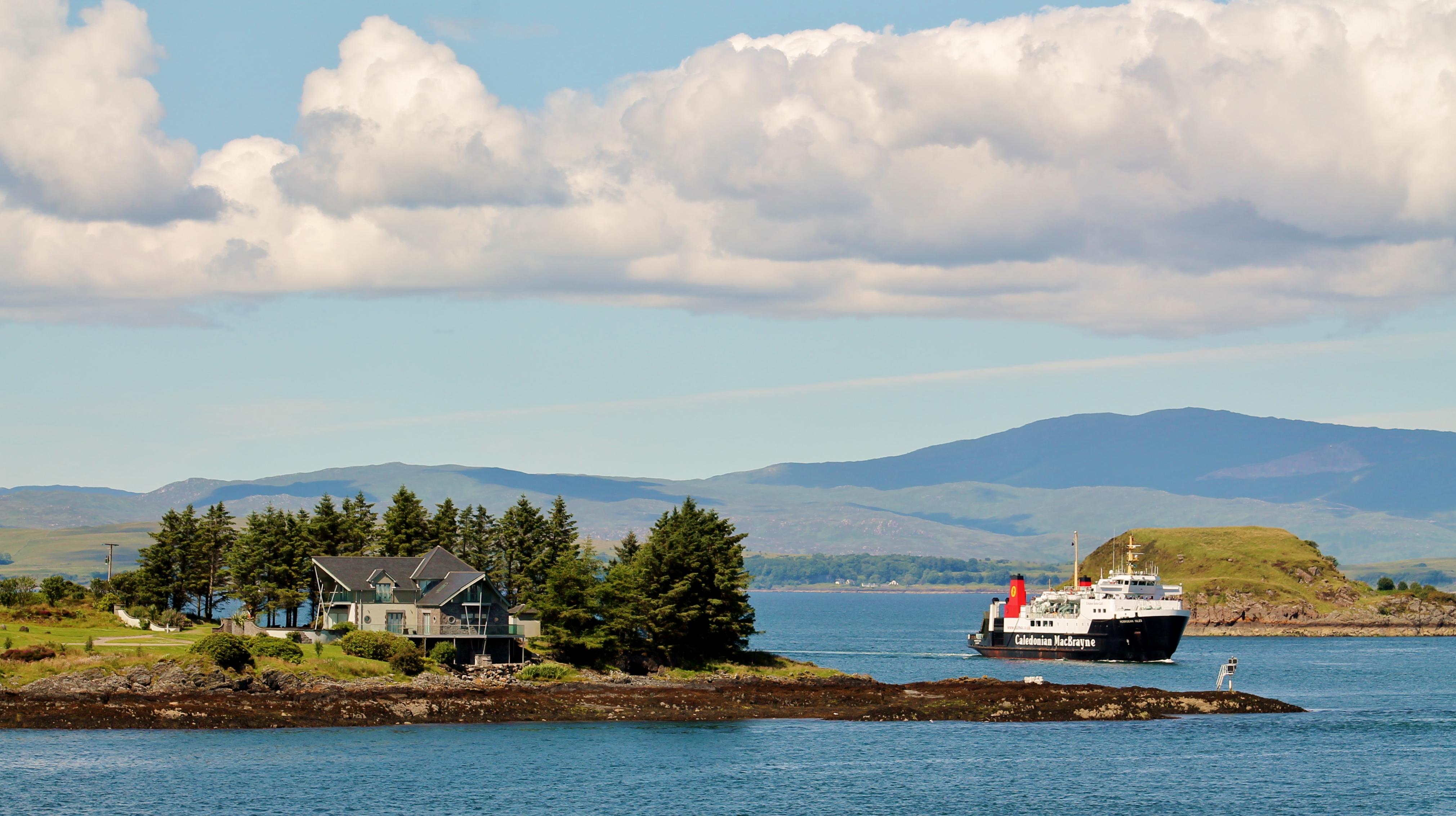 Hebridean Isles entering Oban Bay (Ships of CalMac)