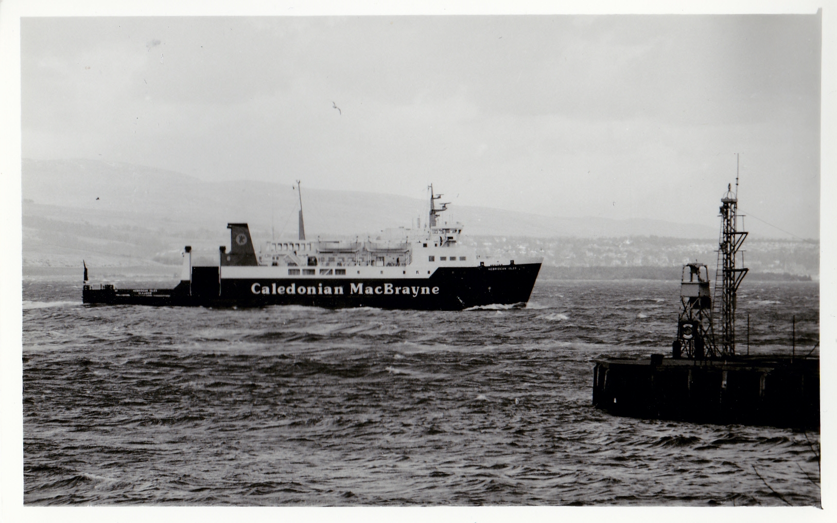 Hebridean Isles off Gourock (Jim Aikman Smith)