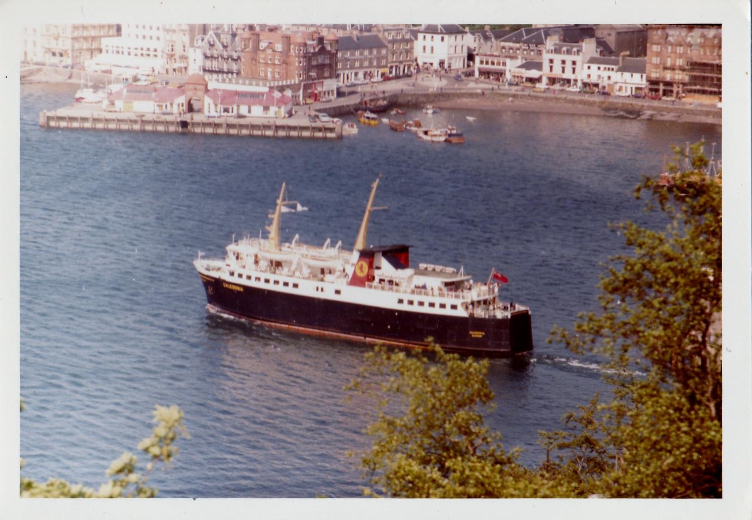 Caledonia leaving Oban (Jim Aikman Smith)