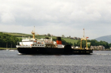 Pioneer arriving in Rothesay Bay