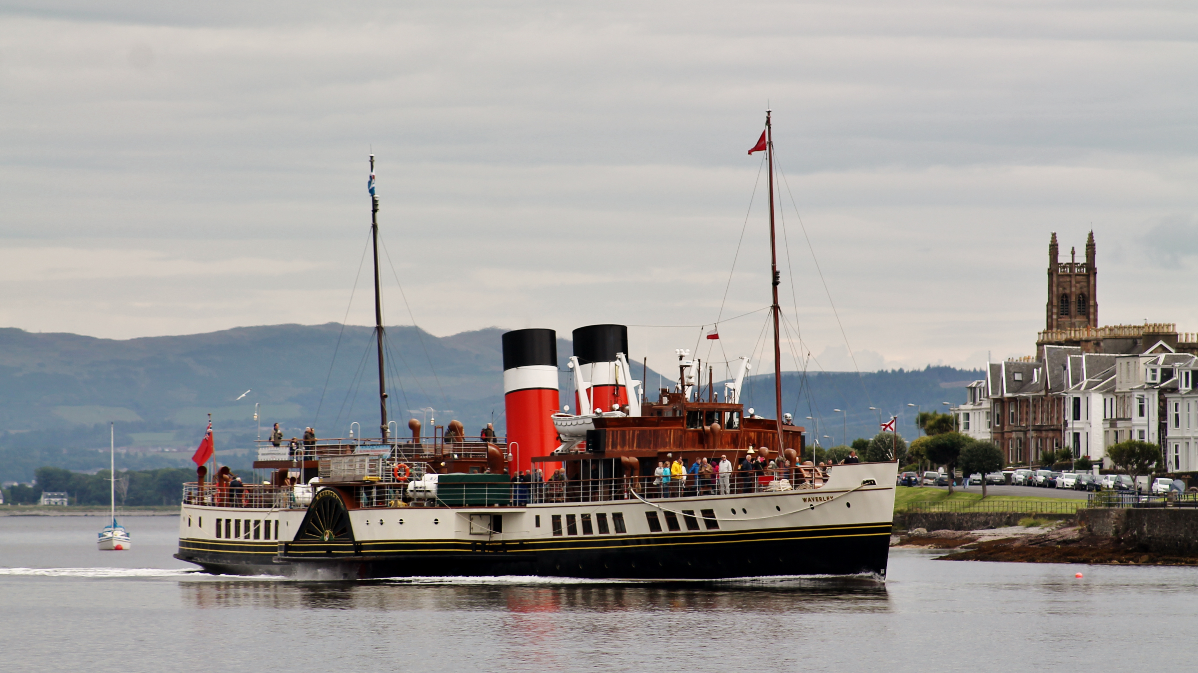 Waverley approaching Rothesay