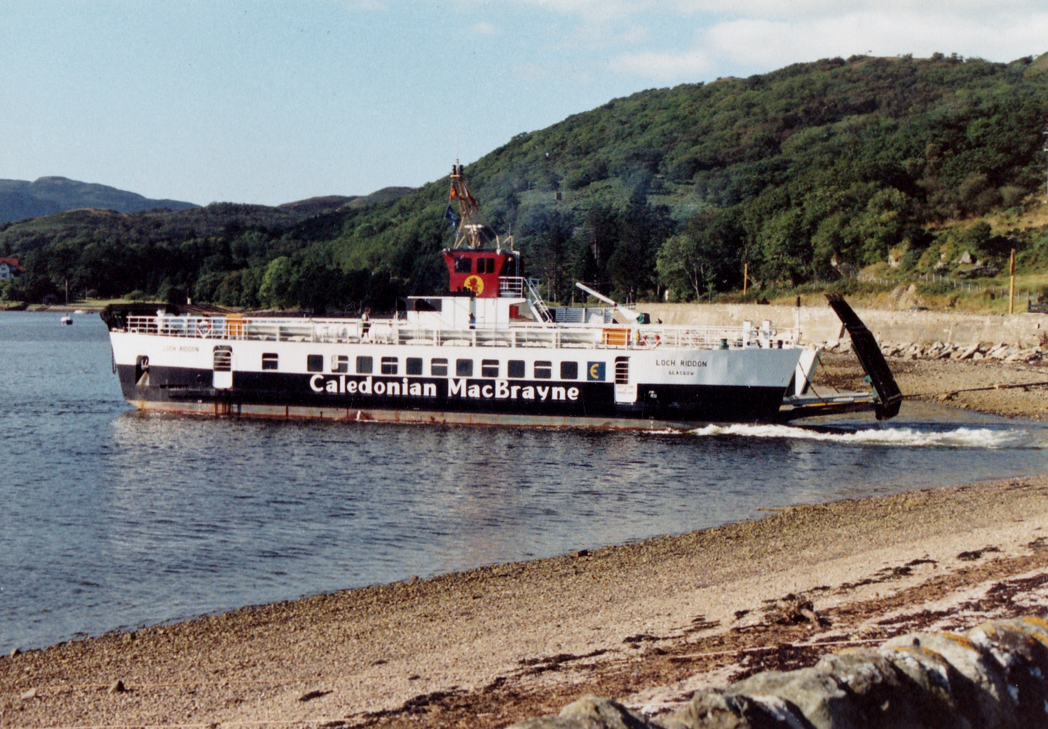 Loch Riddon leaving Colintraive (Jim Aikman Smith)