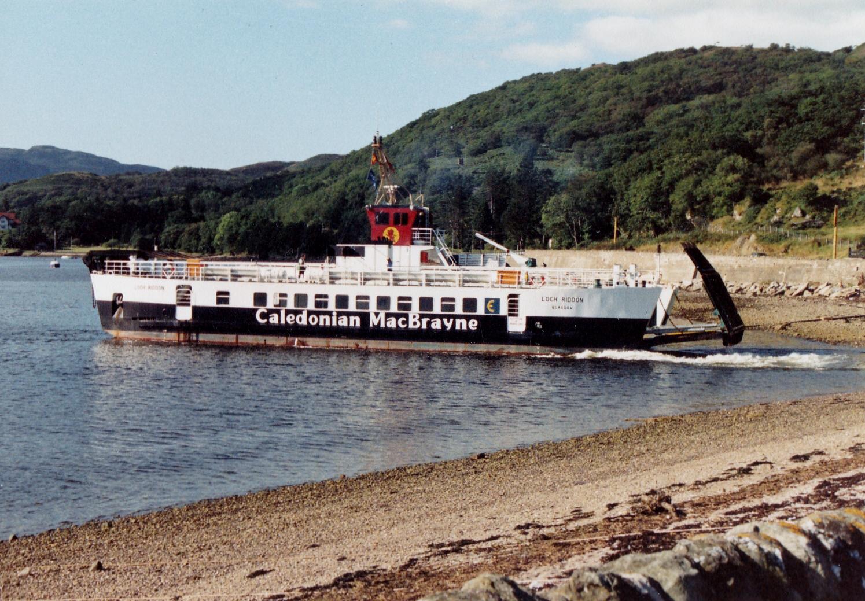 Loch Riddon leaving Colintraive (Jim Aikman Smith)
