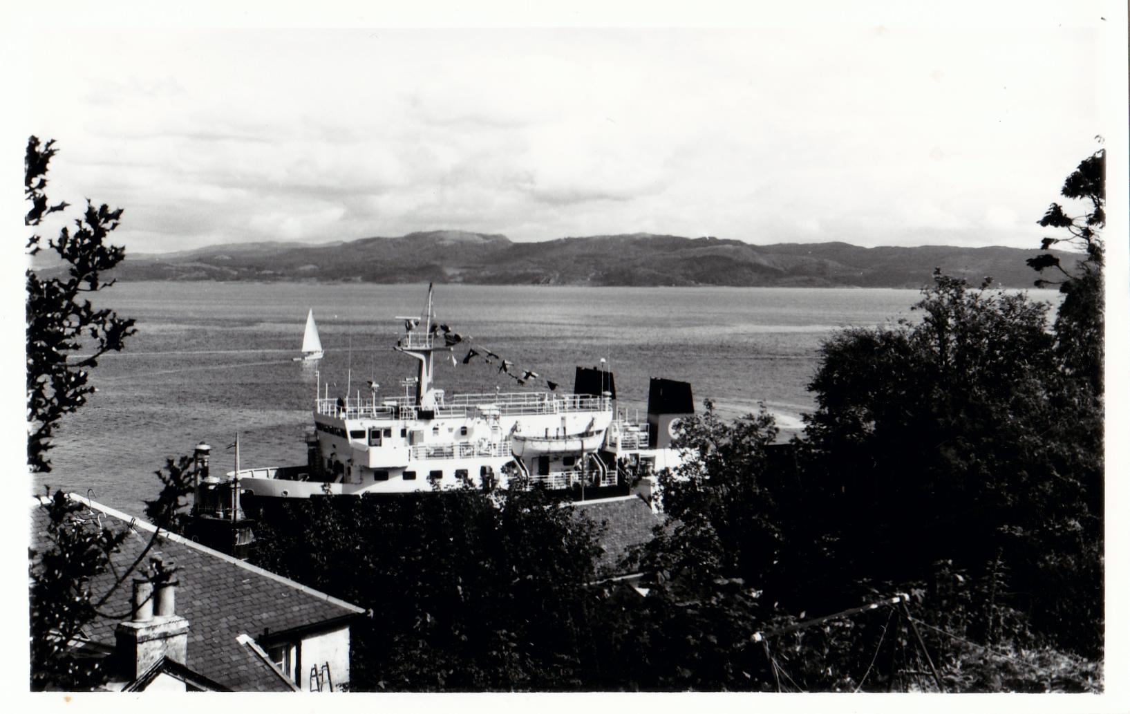 Pioneer at Tarbert, Loch Fyne