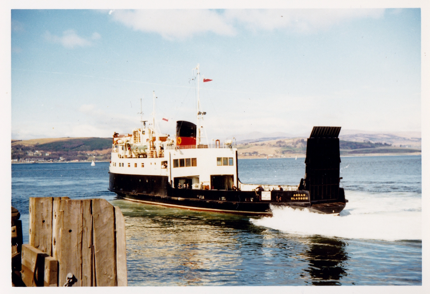 Arran leaving Gourock (Jim Aikman Smith)