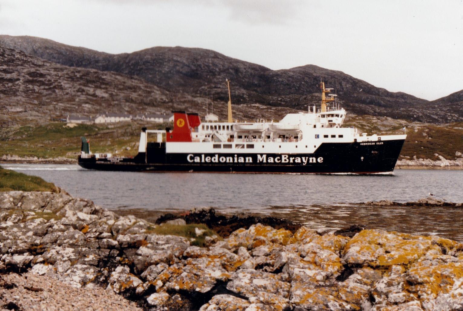 Hebridean Isles leaving Tarbert (Jim Aikman Smith)