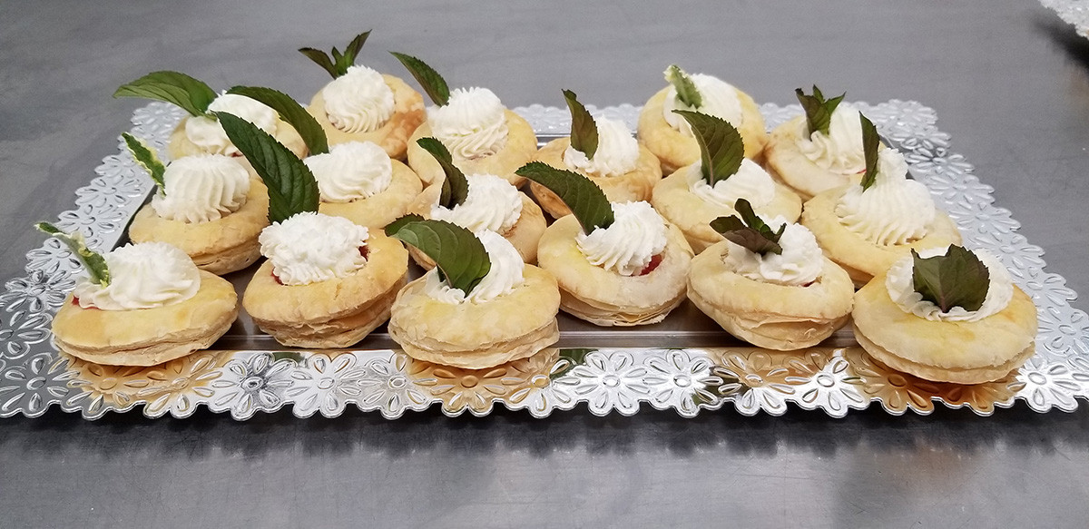 Strawberries & Cream Vol-au-Vonts