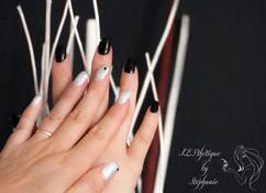 extension-ongles-gel-blanc-et-noir.jpg
