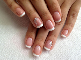 gel-french-crystal-nails-strass-mariage.