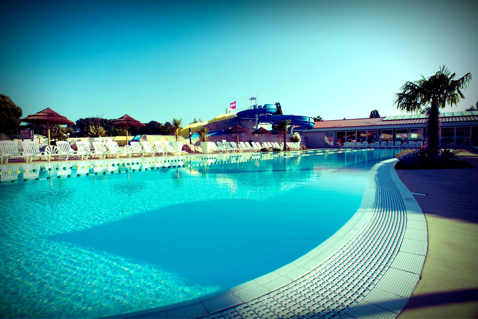 piscine_à_débordement_les_charmettes