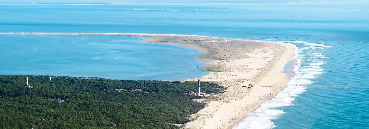 baie de bonne anse avec le phare