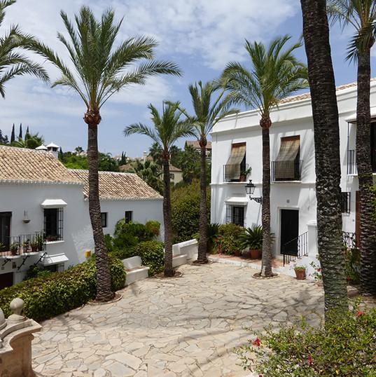 Las Lomas Club, Marbella - Plaza acceso