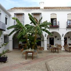 Pueblo_López_-_Plaza-_Donald_Gray.jpg