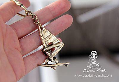 Windsurfers Key Chain  -  גולשי רוח מחזיק מפתחות