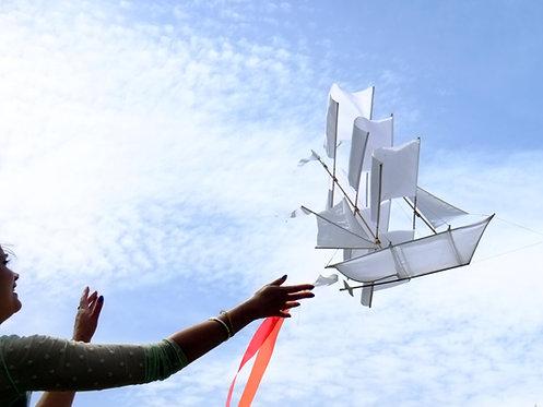 #Sailboat Kite White XL