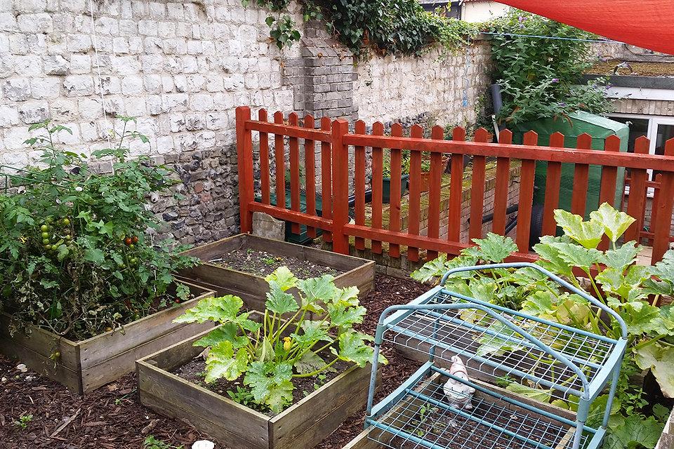 playdays-nursery-outdoors-garden.jpg